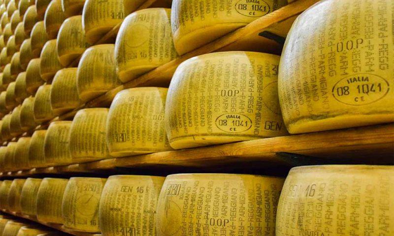 Słynny włoski ser parmezan